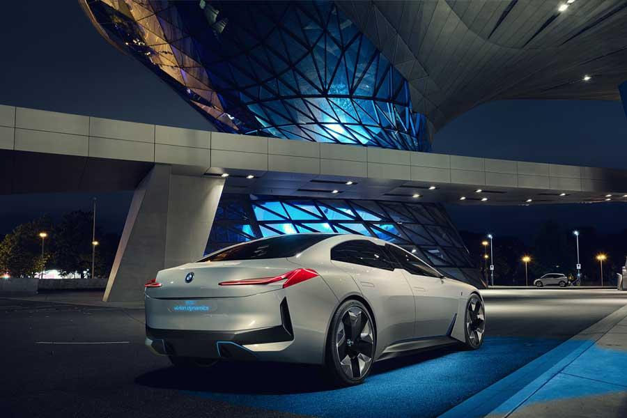 Modellen kallades för i Vision Dynamics första gången den presenterades.